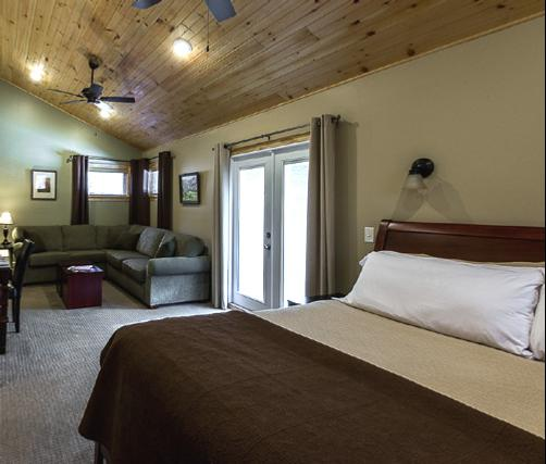 Inn on Mill Creek - Ridgecrest - Bedroom
