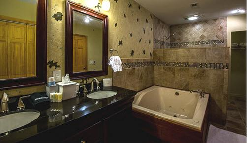 Inn on Mill Creek - Ridgecrest - Bathroom