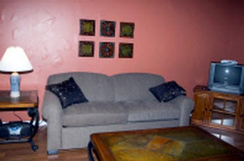 Father Wind Bed & Breakfast - Sheboygan - Living room