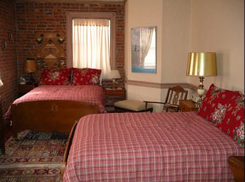 Glades Pike Inn - Somerset - Bed