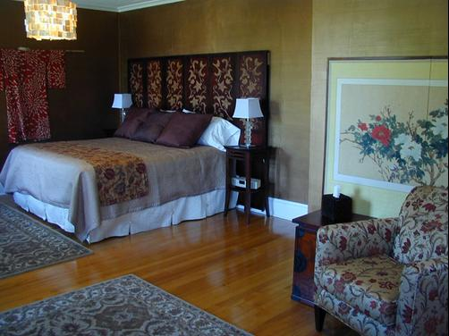 Clarke Manor - Dubuque - Bedroom
