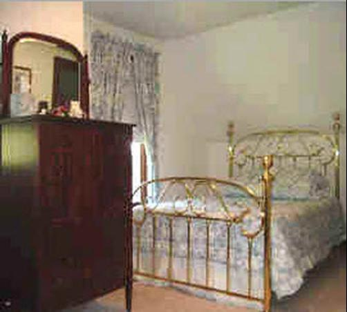 Carriage House Bed and Breakfast - Woodstock - Bedroom
