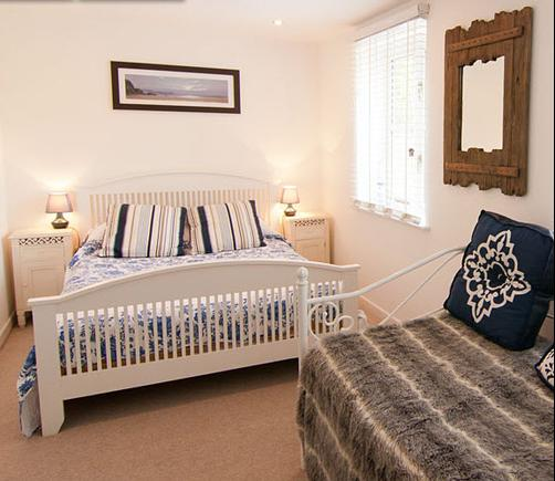 The Purbeck Vineyard - Guest House - Corfe Castle - Bedroom