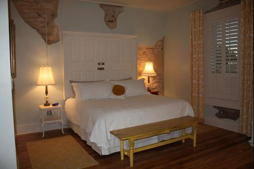 Screen Door Inn - Clifton - Bedroom