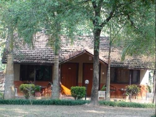 Safari Narayani Lodge - Ghailaghari - Building