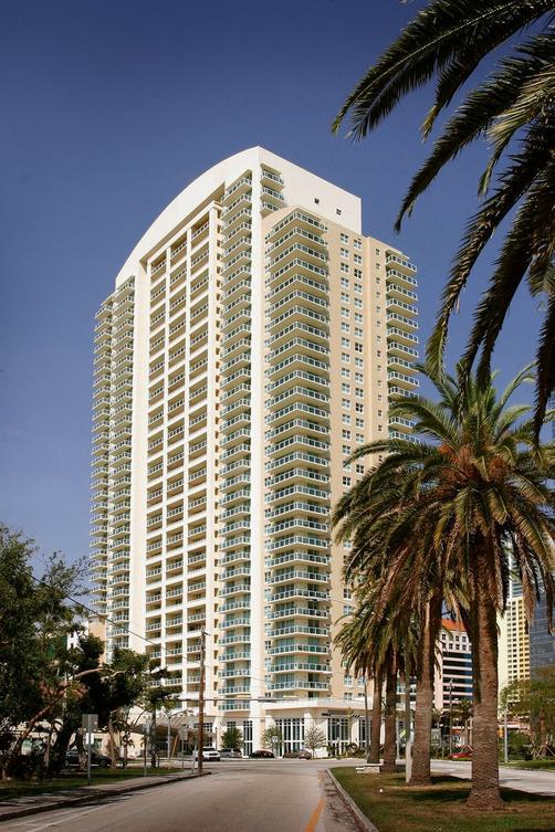 Churchill Suites Miami Brickell - Miami - Building