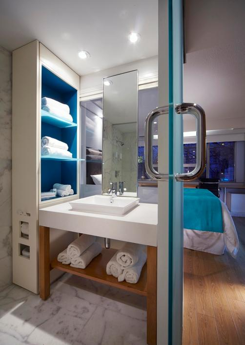Bond Place Hotel - Toronto - Bathroom