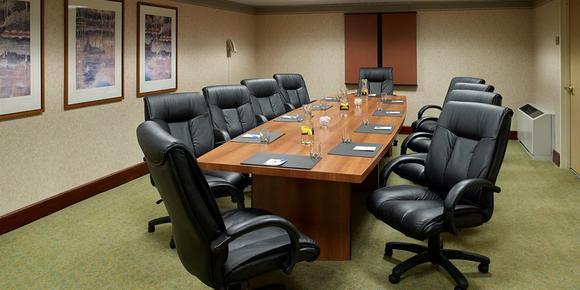 Comfort Inn & Suites Logan International Airport - Revere - Conference room