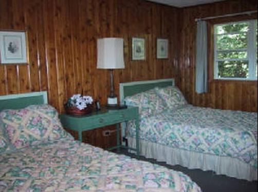Bayview Motel - Ashland - Bed