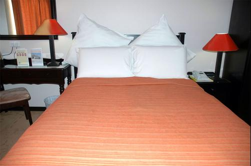 Adansonia Hotel - Francistown - Bed
