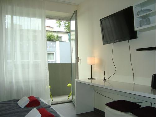Bed and Breakfast in Cologne - Cologne - Bedroom