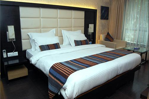 Hotel Galaxy - Mumbai - Bed