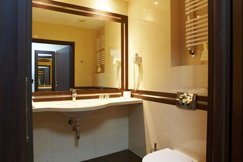 Hotel Aviator - Radom - Bathroom