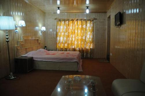 Swiss Hotel Kashmir - Srinagar - Bedroom
