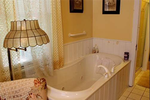 Angel Of The Morning Bed and Breakfast - Jim Thorpe - Bathroom