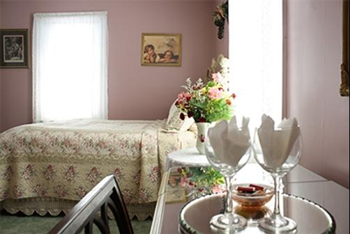 Angel Of The Morning Bed and Breakfast - Jim Thorpe - Bedroom