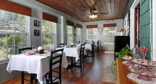 Laurel Springs Lodge B&B - Gatlinburg - Restaurant