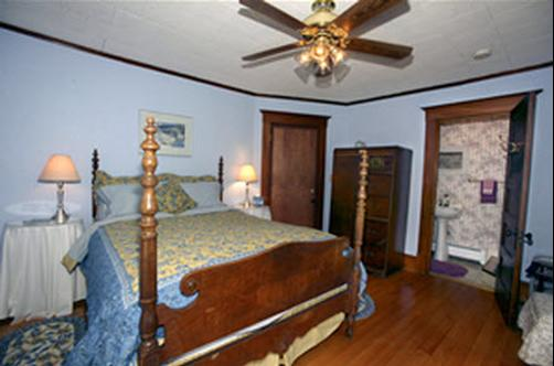 The Mad River Inn B & B - Waitsfield - Bedroom