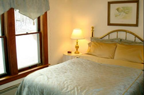 The Mad River Inn B & B - Waitsfield - Bed
