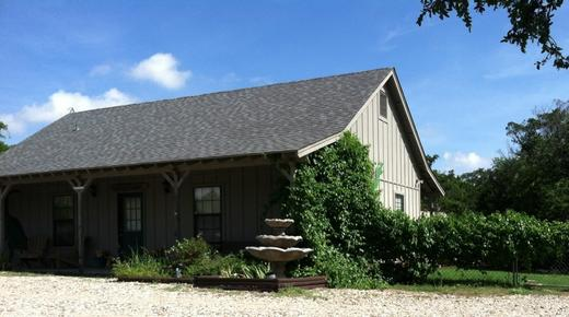 Dinosaur Trail Cabins & Cottages - Granbury - Building