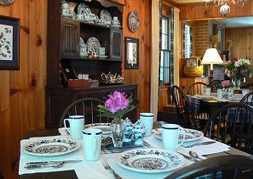 Colonial Pines Inn Bed And Breakfast - Highlands - Restaurant