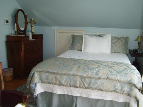 Baileys By The Sea a Cape Cod Oceanfront B & B - Falmouth - Bedroom