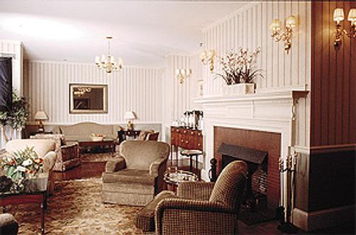 John Jeffries House - Boston - Living room