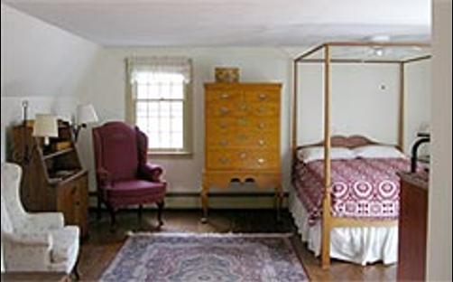 Woody Hill B & B - Westerly - Bedroom