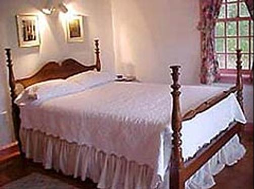 Woody Hill B & B - Westerly - Bed