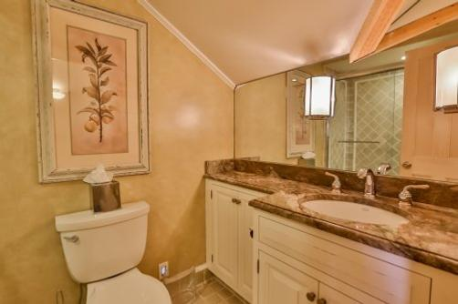 Orchard Street Inn - Stonington - Bathroom