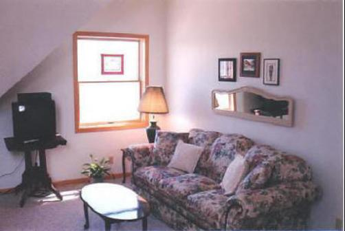 Macarthur House Bed And Breakfast - Grand Marais - Living room
