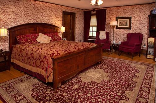 The Golden Lantern Inn - Red Wing - Bedroom