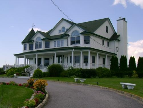 A Victorian on the Bay - Eastport - Building