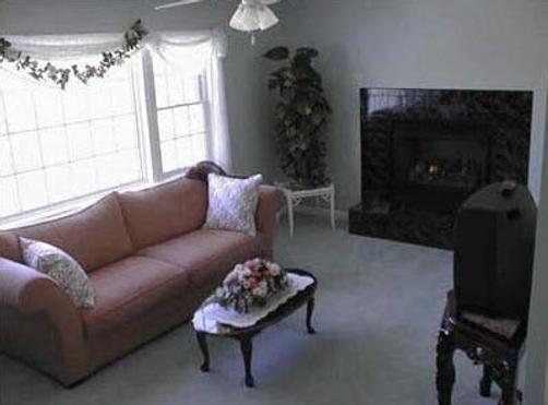 A Victorian on the Bay - Eastport - Living room