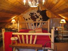 Blue Creek Cabin Bed & Breakfast