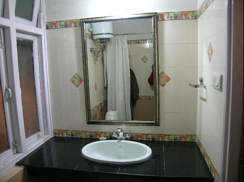 Hotel Golden Pagoda - Gangtok - Bathroom