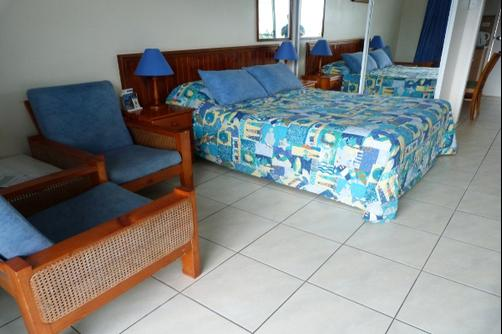 Airlie Court Holiday Units - Airlie Beach - Bedroom
