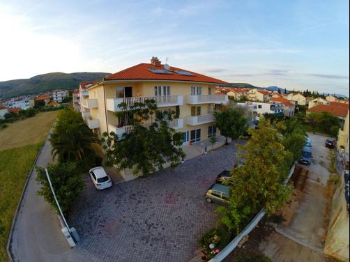 Apartments Trogir - Trogir - Building