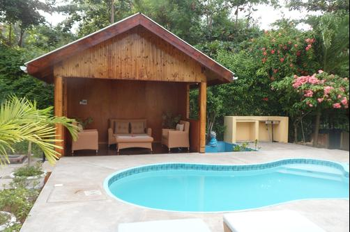 Reef Holiday Apartments - Mahe Island - Pool