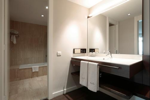 Hotel Regina - Barcelona - Bathroom