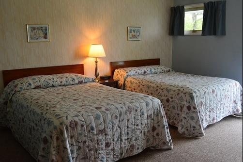 Terrace Motor Inn - Cooperstown - Bedroom