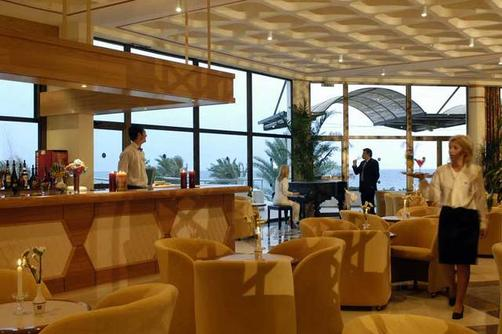 Constantinou Bros Athena Royal Beach Hotel - Paphos - Bar