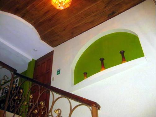 Hotel Tazumal House - San Salvador - Stairs