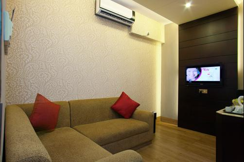 Hotel Orchard Suites - Dhaka - Living room