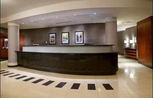 Courtyard by Marriott Pittsburgh Greensburg - Greensburg - Front desk
