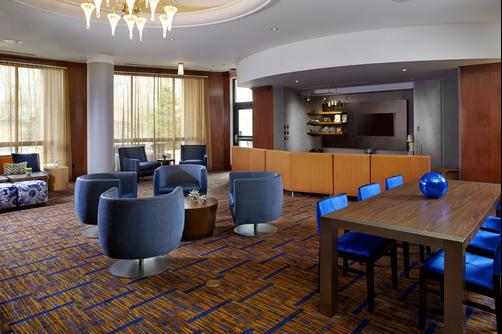 Courtyard by Marriott Pittsburgh Greensburg - Greensburg - Lobby