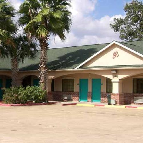 Regency Inn And Suites Galena - Galena Park - Building