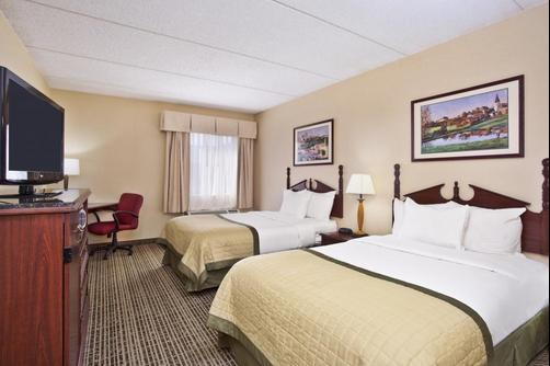 Baymont Inn & Suites Knoxville/Cedar Bluff - Knoxville - Bedroom