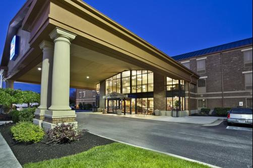 Baymont Inn & Suites Knoxville/Cedar Bluff - Knoxville - Building