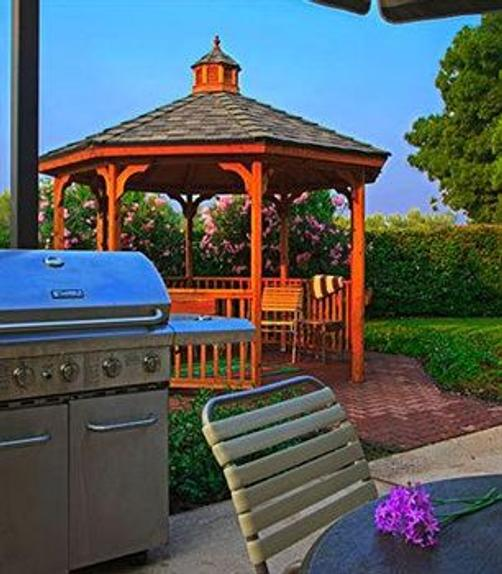 Best Western Plus Fresno Airport Hotel - Fresno - Outdoors view